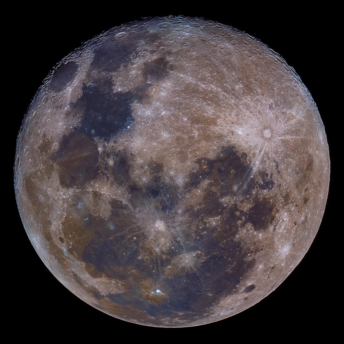 Luna del 20-07-2016 a colores.jpg
